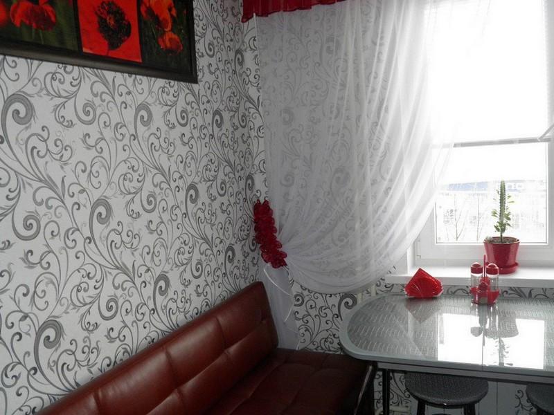 svetlie-shtori-dlya-kuhni-foto17