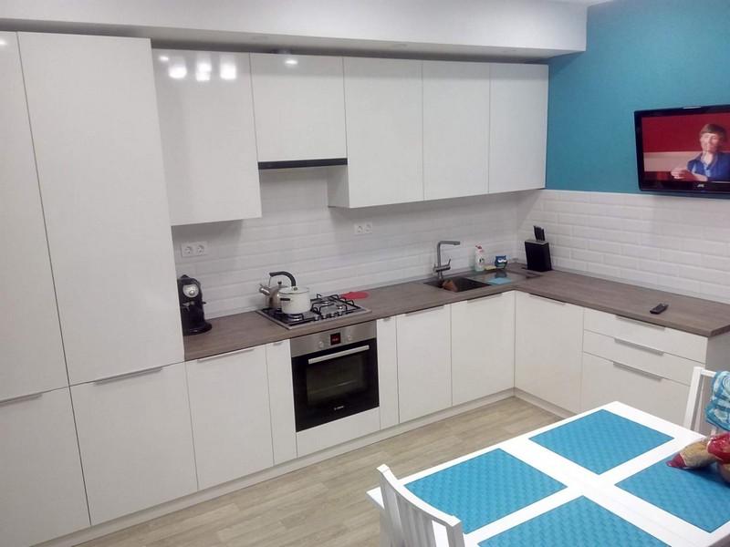 Белая кухня: дизайн, стили, фото