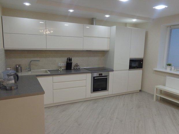 Дизайн кухни белого цвета (реальные фото)