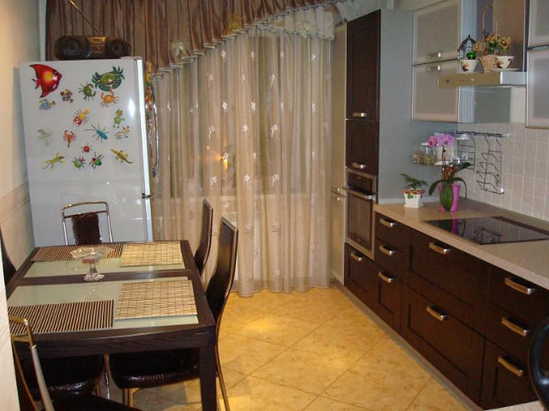 теплые шторы на кухню в коричнево бежевых тонах фото фотографий линя, его