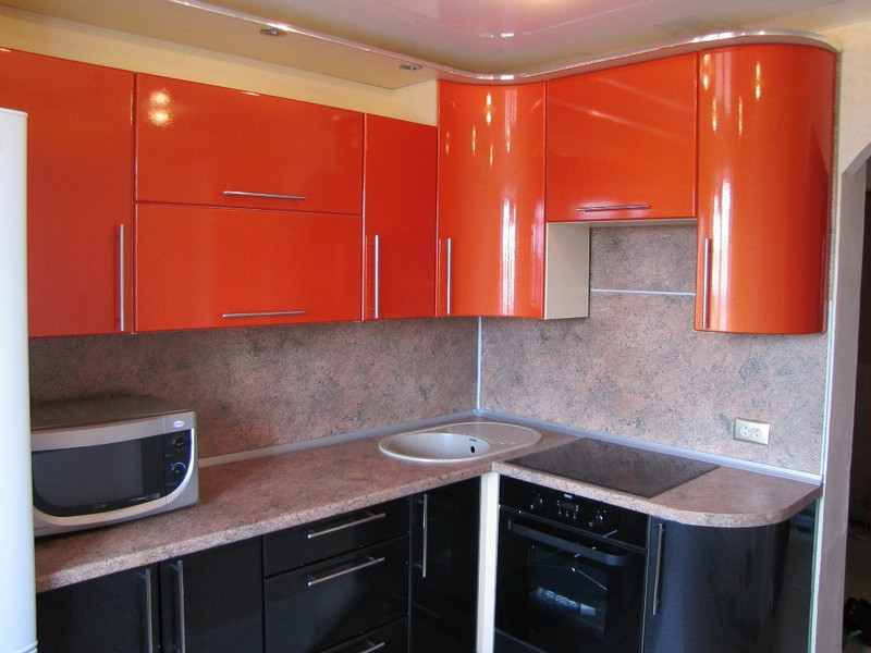 sherno-orangevaya-kuhnya (1)