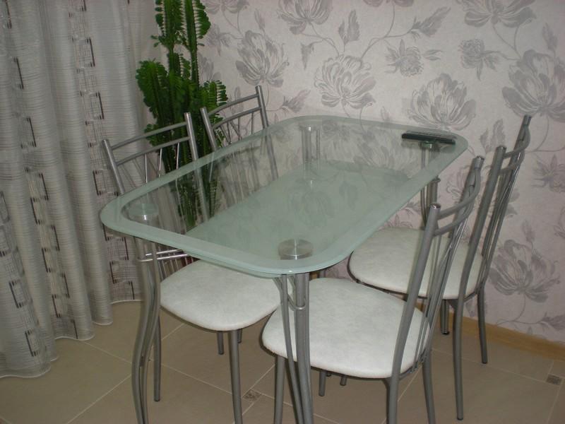 stol iz stekla (21)