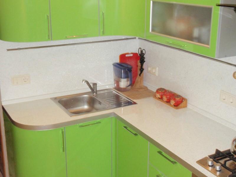 Компактные кухни угловые