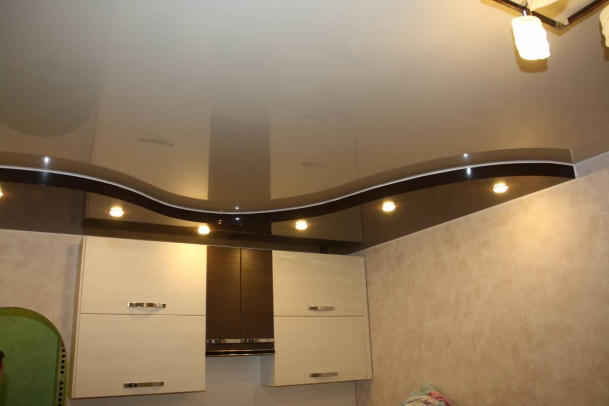 фото дизайн кухни потолок