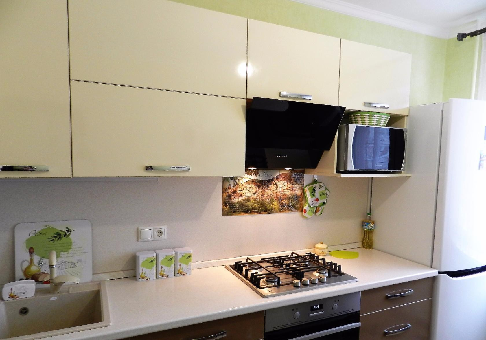 микроволновка на кухне варианты размещения фото