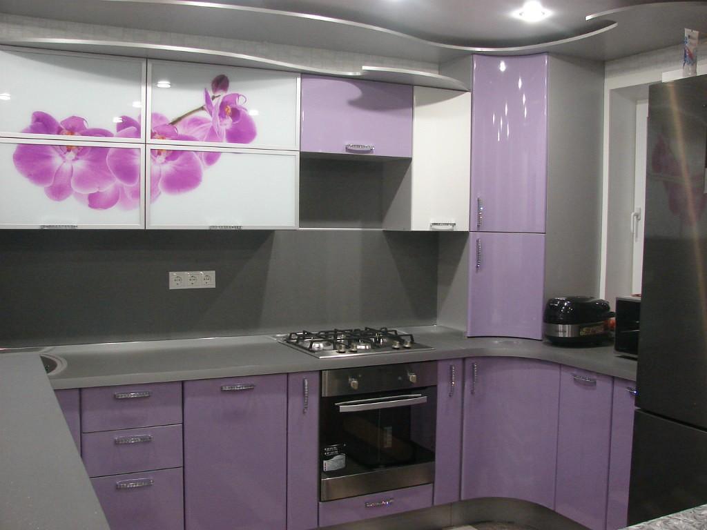 Кухня сиреневого цвета для хрущевки