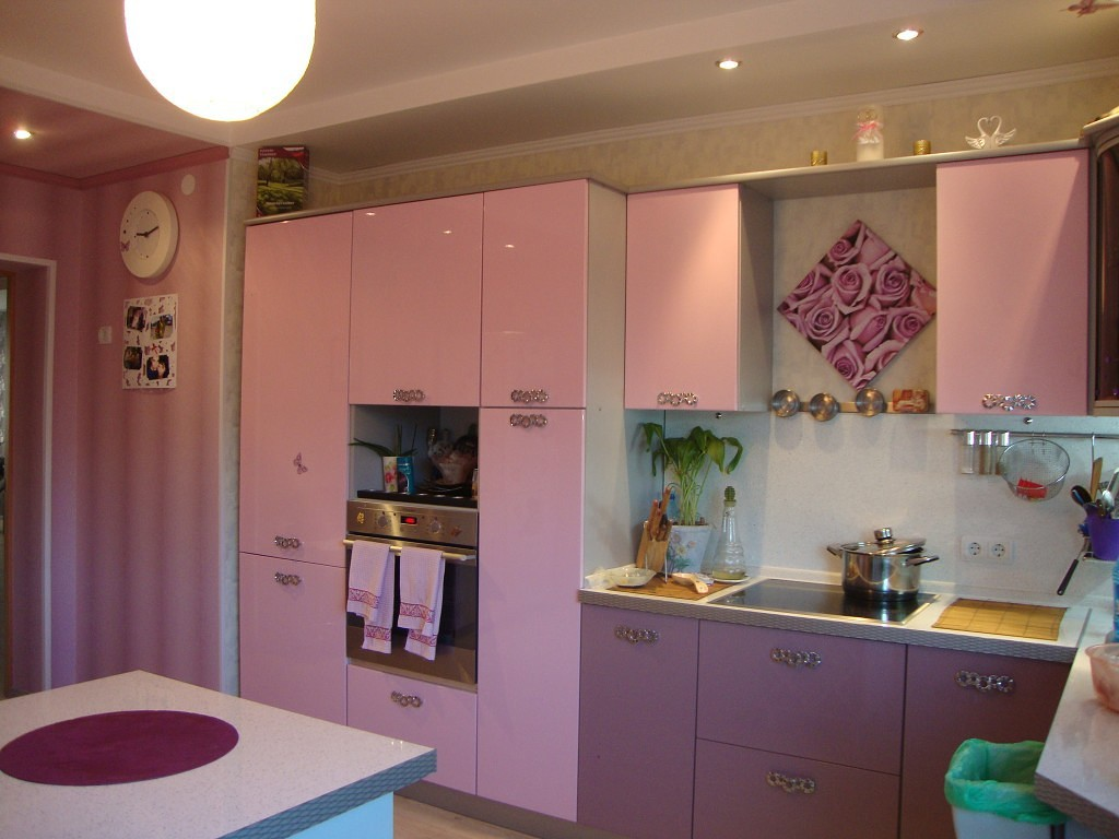 Розовая кухня: 11 цветовых решений для вашей кухни