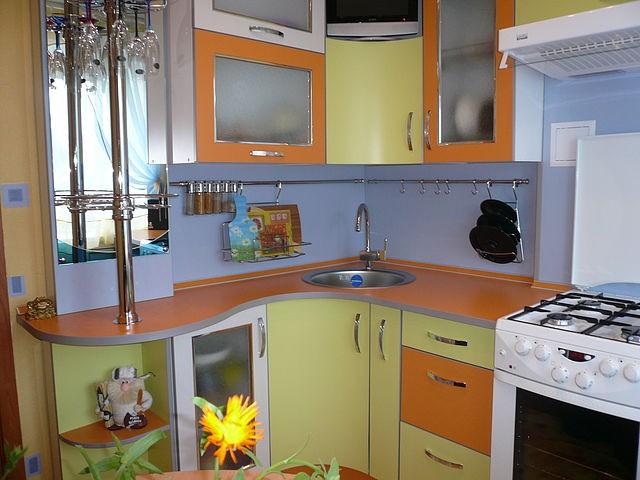 Угловая кухня для малогабаритной кухни своими руками 11