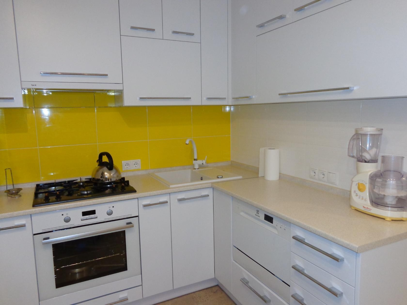 Кухни 9 кв метров дизайн реальные 373