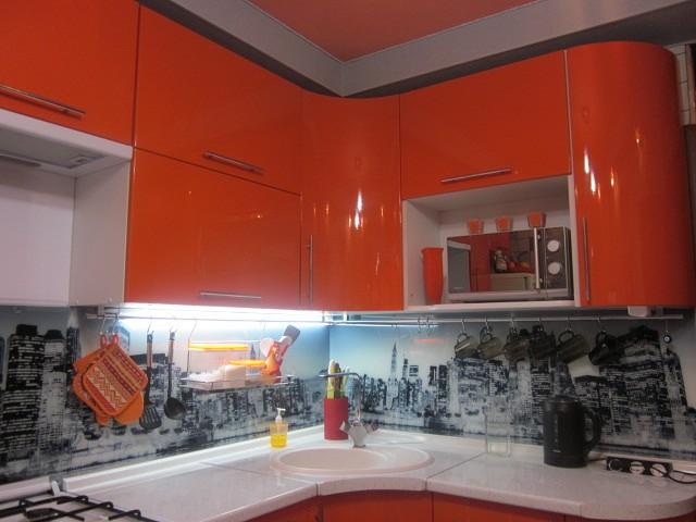Куда поставить микроволновку на кухне (фото)