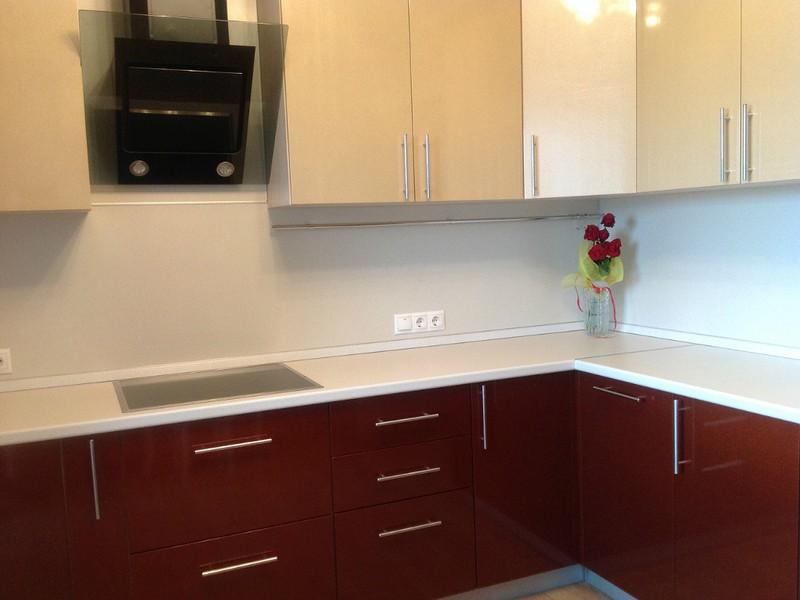Дизайн красно белой кухни (85 реальных фото)