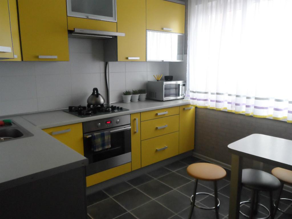 Желтые кухни реальные фото