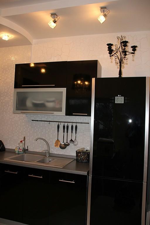 Дизайн кухни в черном цвете: 80+ реальных фото интерьеров