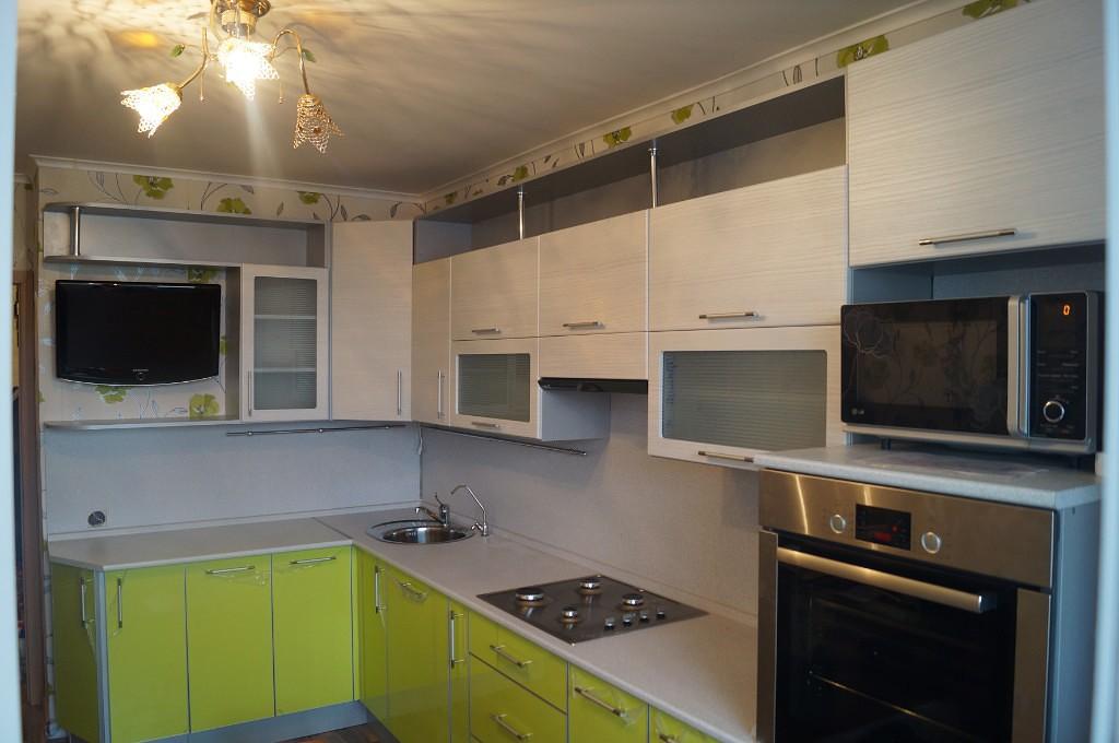 Дизайн кухни в бело зеленом цвете (реальные фото)