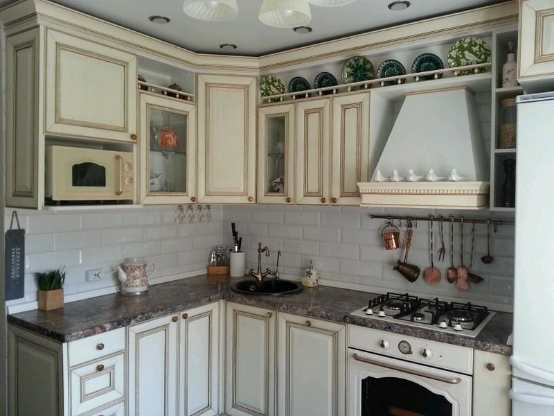 Дизайн кухни с патиной: плюсы и минусы, разновидности, реальные фото примеры