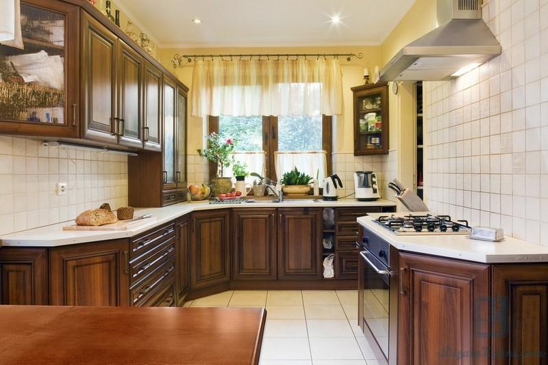 помните кухни вдоль окна в английском стиле фото обустройству спальни, гостиной