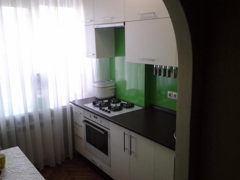 Кухня с темной столешницей в зависимости от цвета кухонного гарнитура (96+фото)
