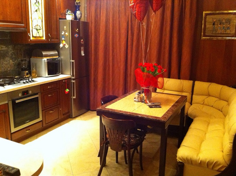 Угловой диван для кухни: плюсы и минусы, как выбрать удобный и практичный диван, 55 фото
