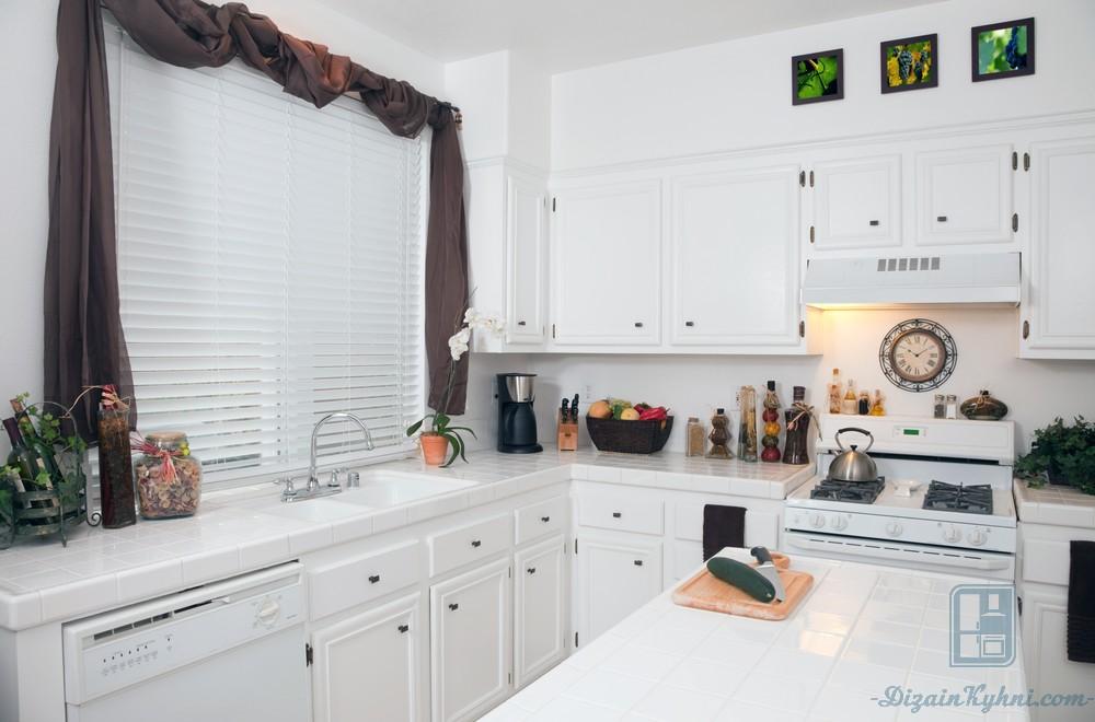 Как выбрать ламбрекены для кухни: общие рекомендации и 60 реальных фото примеров