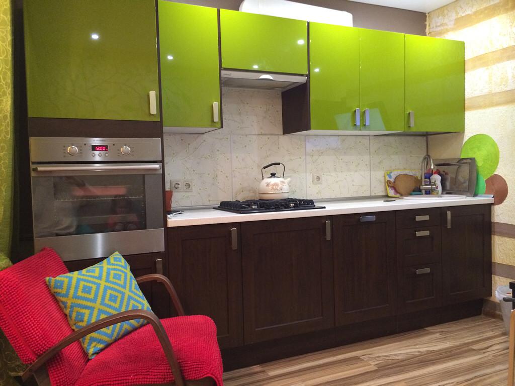 Дизайн кухни цвета фуксии: 40+ реальных фото примеров, сочетание с другими цветами