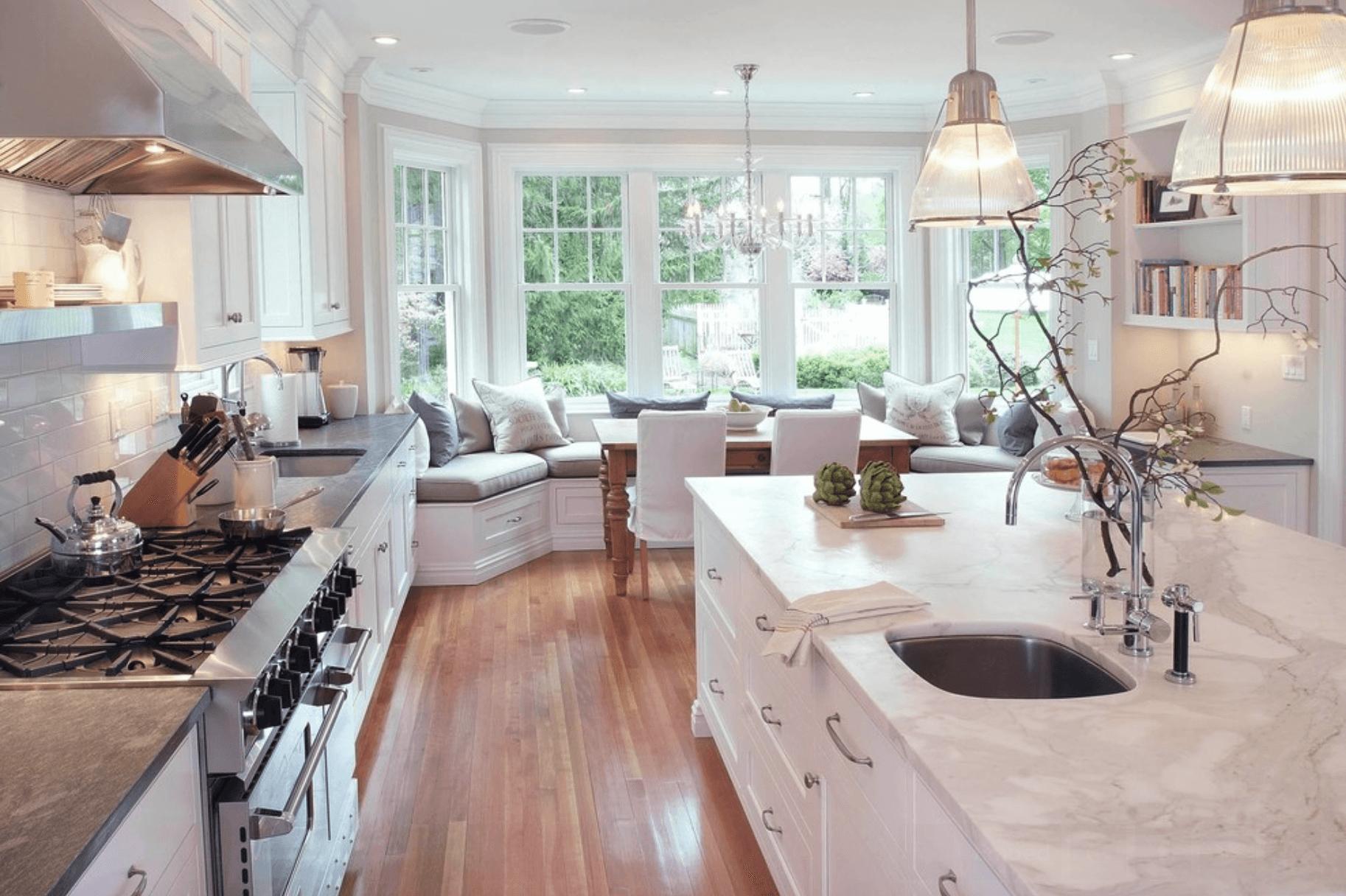 Дизайн кухни с эркером: особенности оформления, 20+ фото примеров с описанием