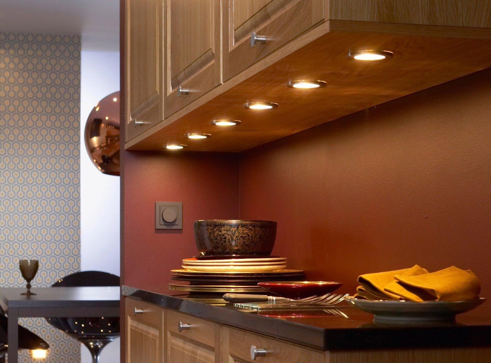 Выбор бра для кухни: плюсы и минусы, разновидности, фото примеры