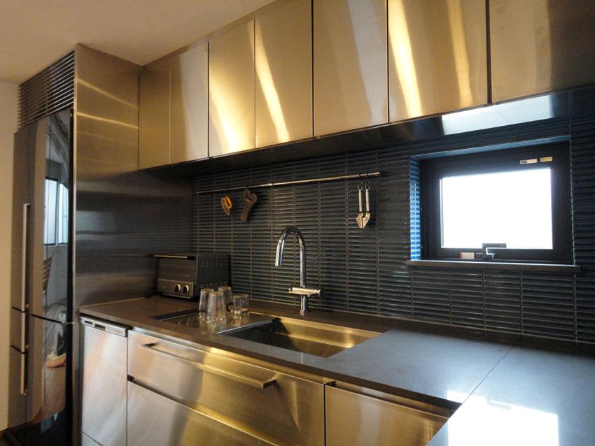 Как правильно использовать золотой цвет в интерьере кухне (фото примеры)