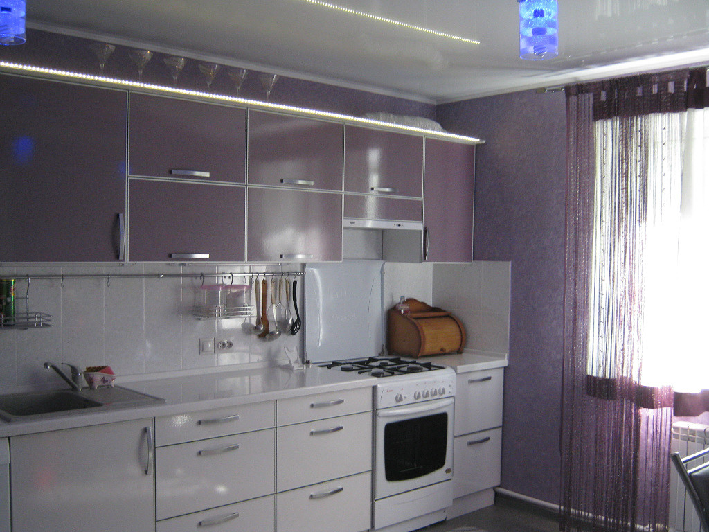 Дизайн кухни цвета баклажан: советы по оформлению, 30+ реальных фото примеров