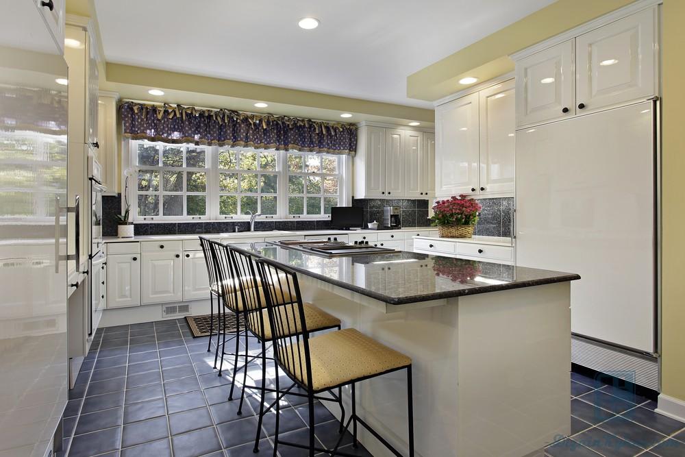 Какой пол на кухню выбрать: плюсы и минусы каждого вида, фото примеры