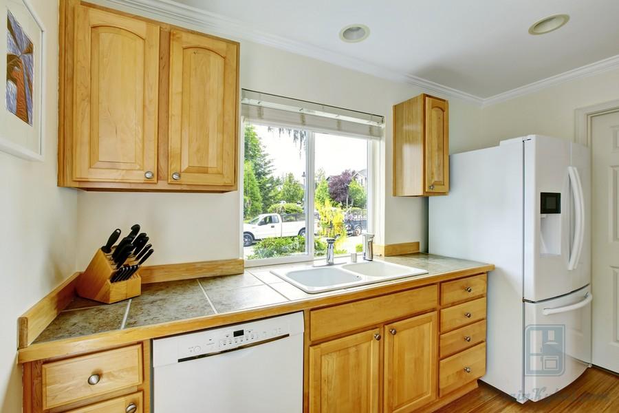 Картины в интерьере кухни: фото примеры, практические советы по выбору
