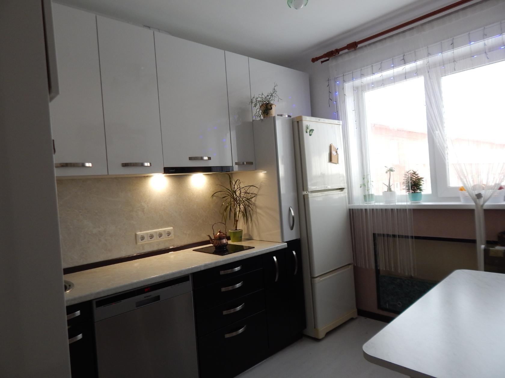 Шторы на окно в кухне модерн фото умеют подолгу