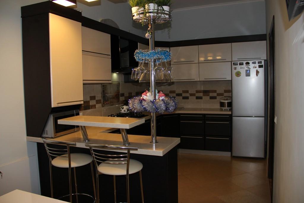 Выбираем барную стойку для кухни (100+ реальных фото примеров)
