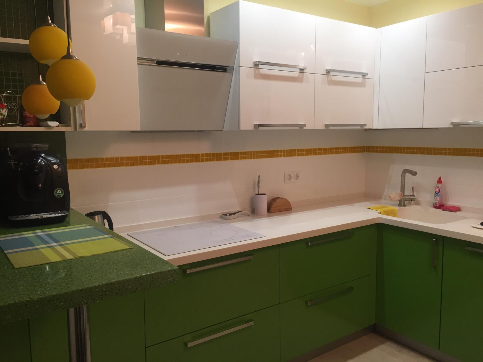 Вытяжка для кухни-фотогалерея ( реальные фото примеры и оригинальные идеи)