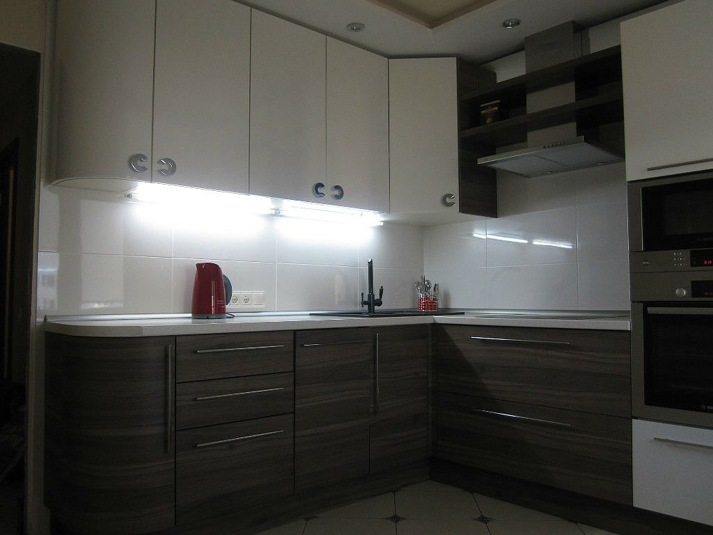 Подсветка рабочей зоны- фотогалерея (реальные фото примеры)